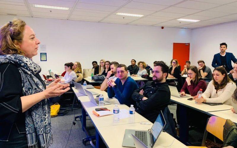 Les étudiants du MBA MCI travaillent pour Vidmizer sur une stratégie marketing B2B