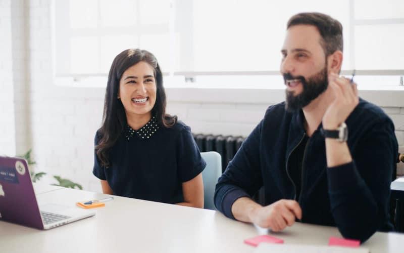 Intégrer ses collaborateurs les engage et les rend plus heureux. Ils participent activement à rendre votre entreprise 'sympathique'. C'est bon pour l'interne comme pour l'externe.